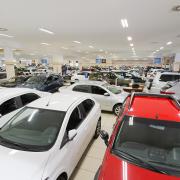 Venda de carros seminovos aumenta
