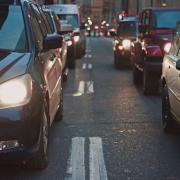 5 leis de trânsito do mundo que são estranhamente chocantes!